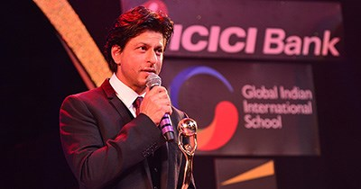 Shah Rukh Khan becomes the Global Icon of the Year at the Times Now NRI of the Year Awards partnered by GIIS
