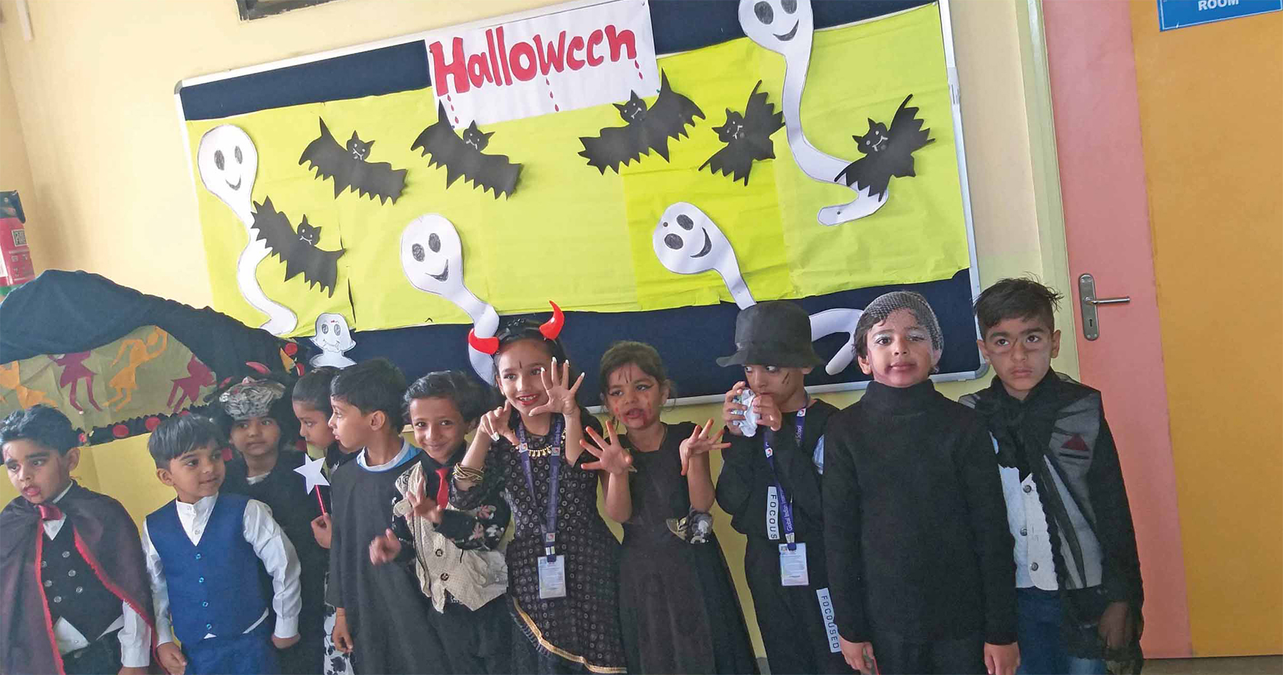Trick-o-treating for tiny tots of GIIS; Halloween celebrations brighten up the campus